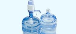 El agua envasada para fuentes portátiles no tiene garantías higiénicas