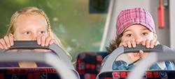 ¿Son seguros los autobuses escolares?